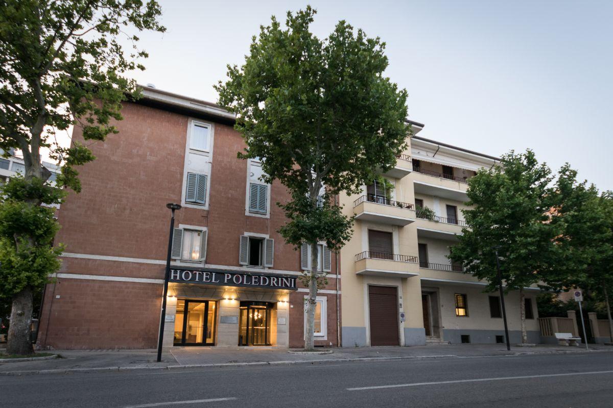 facciata hotel Poledrini